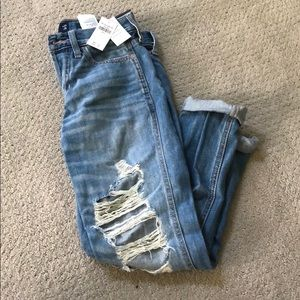 NWT  Low rise ripped boyfriend jeans
